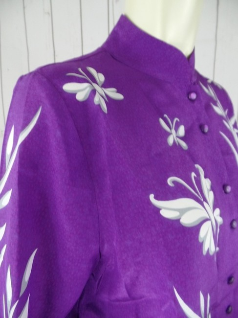 Bob Mackie New With Tags Silk Hand-screened Wearable Art Mandarin Collar Enchanted Garden Button Front Button Down Shirt Purple