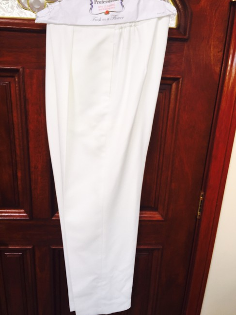 """Morgan Miller White Double Breasted Pant Suit- Elasticized Waist Pant- fits a height of 5'5"""""""