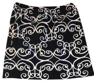 Ann Taylor Skirt Black / White