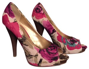 Madden Girl Multi color Pumps