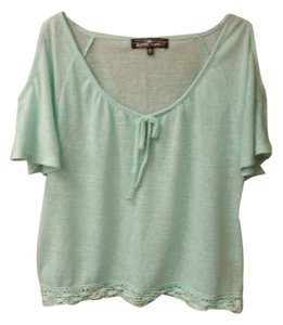 Almost Famous Clothing Cold Shoulder Sweater