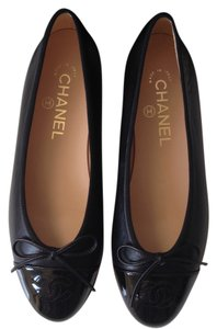 Chanel Leather Ballerina Black Flats