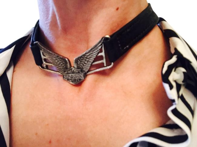 """Item - Black / Silver Leather (Adjustable From 16"""" To 18"""") Necklace"""