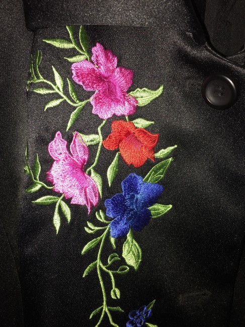 Peter Nygard Black with floral embroidery Blazer