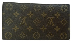 Louis Vuitton Louis Vuitton Checkbook Wallet