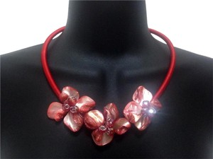 Red Mother of Pearl Floral Accent Necklace