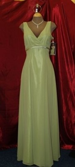 Jordan Fashions Green Chiffon Kiwi #1102 Sleeveless Empire Waist V Neck Floor Length Flattering Cut A Line Skirt Mother Formal Bridesmaid/Mob Dress Size 6 (S)