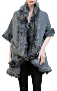 Other Winter Luxury Fur Trimmed Layered Half Witer Luxury Half Fur Trimmed Faux Fur Trimmed Cape