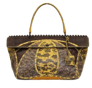 Bottega Veneta Tote in Browns, Yellows