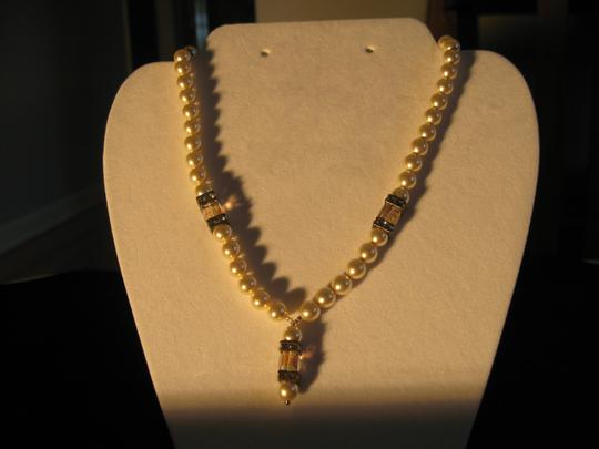 Preload https://item4.tradesy.com/images/giavan-antique-ppo-15-n32-pearl-with-drop-necklace-4739413-0-1.jpg?width=440&height=440