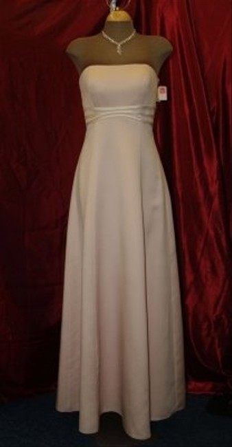 Item - Ice Pink Satin / Pearl #805 Strapless Floor Length Formal Gown Prom Formal Wear Special Traditional Bridesmaid/Mob Dress Size 4 (S)
