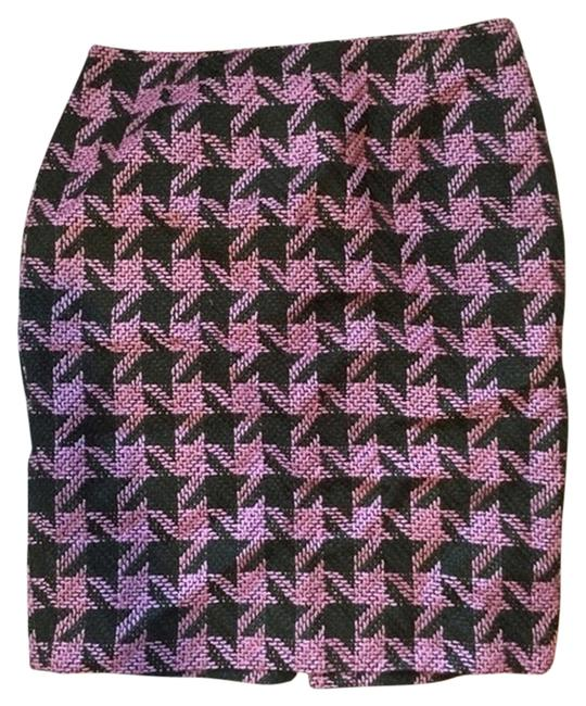 Preload https://item5.tradesy.com/images/inc-international-concepts-houndstooth-pencil-skirt-pink-and-green-4740184-0-0.jpg?width=400&height=650