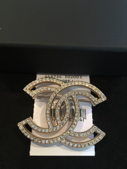 Chanel Chanel Brooch Crystal With Gold Hardware
