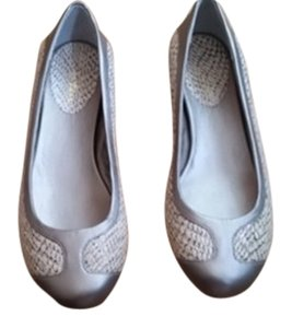 Cole Haan Ivory/ Silver Flats