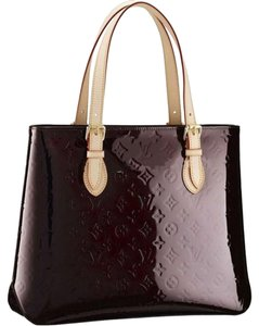 Louis Vuitton Leather Monogram Shoulder Tote in Amarante