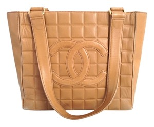 Chanel Cc Logo Embossed Leather Shoulder Bag