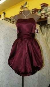 Jordan Fashions Chianti Silk Charmeuse Short #664 Bubble Skirt Semi Sweetheart Neckline Strapless Wine Prom Mother Modern Bridesmaid/Mob Dress Size 10 (M)