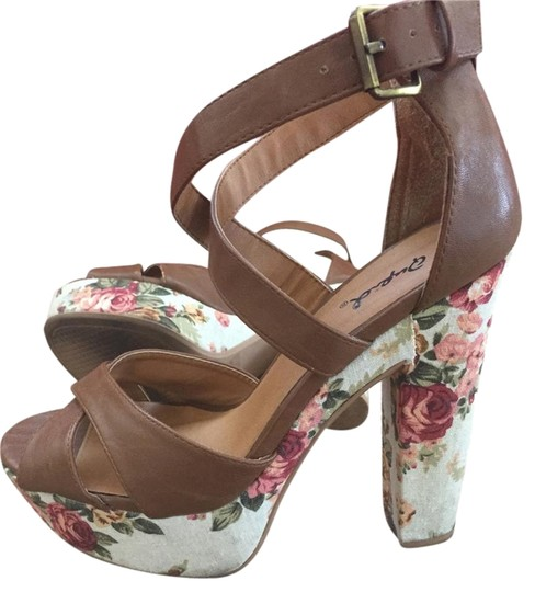 Qupid Strappy Summer Heel Platform Manmade Upper Like New Girl Fashion Fall Brown with floral print Sandals