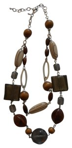 Premier Designs Wood bead necklace