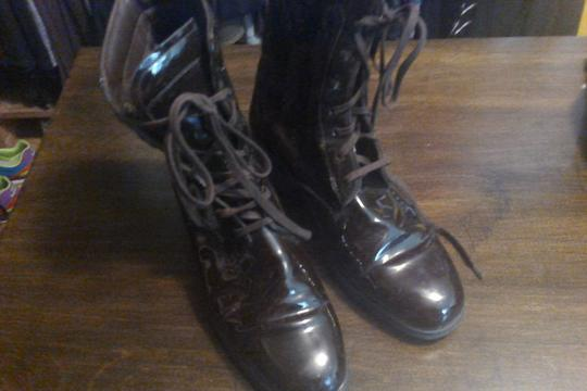 Tod's brown patent Boots