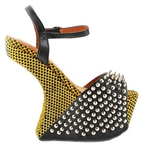 Jeffrey Campbell yellow/black tiny hearts Wedges