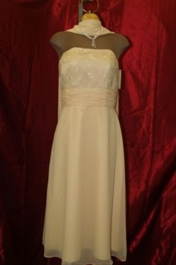 Yellow Chiffon Jordan Maize Short #540 Feminine Bridesmaid/Mob Dress Size 12 (L) Image 1