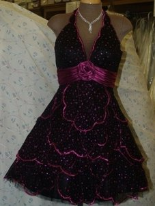 Black Neblome Size: 6 Black/fuschia #6082 Dress