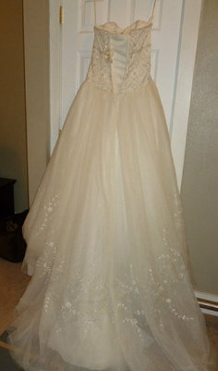 Ivory Tulle Autumn - Style #3941 - Gow Formal Wedding Dress Size 10 (M)