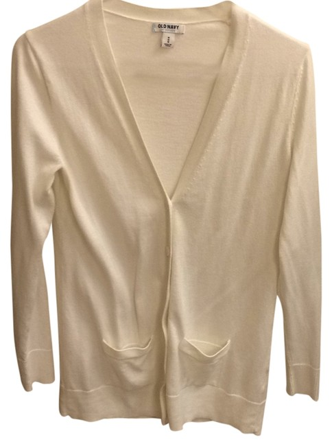 Preload https://item4.tradesy.com/images/old-navy-ivory-sweaterpullover-size-8-m-4783033-0-0.jpg?width=400&height=650