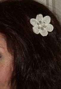 Hair Clip Ivory Vintage Venice Lace With Pearl Cen