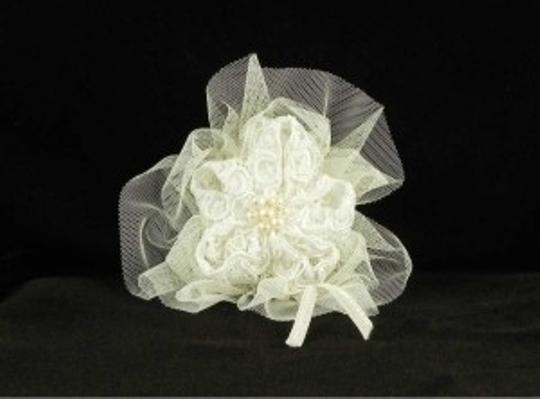 Jennifer Leigh Couture Veils and Accessories Ivory with Alencon Lace Tulle & Pearls Nina Hairclip Hair Accessory