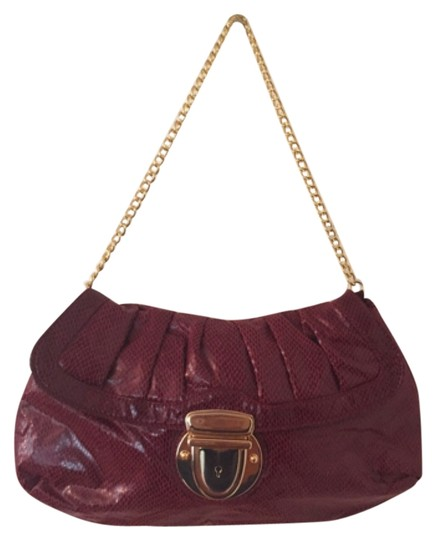 Preload https://item4.tradesy.com/images/kristin-davis-red-gold-simulated-leather-shoulder-bag-4784113-0-0.jpg?width=440&height=440