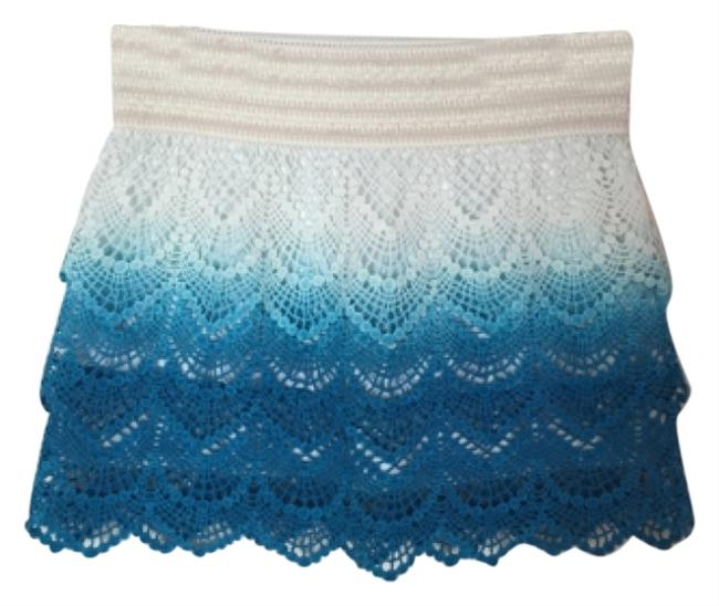 Preload https://item1.tradesy.com/images/white-and-blue-fade-blue-and-white-miniskirt-size-2-xs-26-4784170-0-0.jpg?width=400&height=650