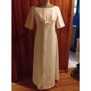 White Unknown Vintage Wedding Dress Size 8 (M)