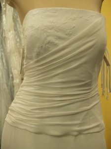 Jordan Fashions Jordan Diamond White Size: 10 #p202 Wedding Dress