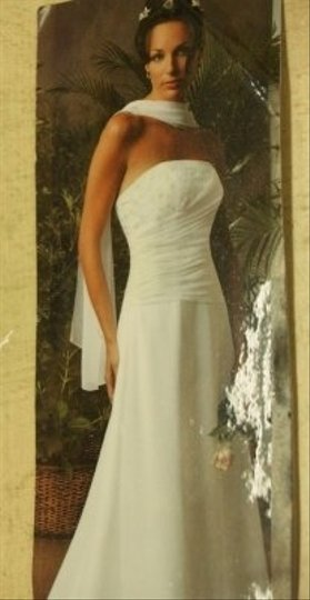 Jordan Fashions Diamond/Silk White Chiffon #p202 Traditional Wedding Dress Size 10 (M)
