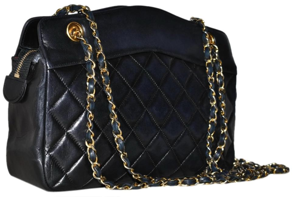 8e9aa559ff68 Chanel Paris Guaranteed Made In France Quilted Lambskin Lamb Skin Lamb  Leather Leather Quilted Gold Chain ...