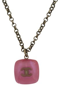 Chanel Chanel Pink Stone necklace