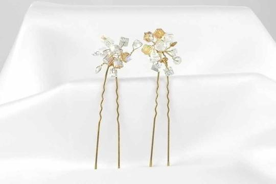 Preload https://item2.tradesy.com/images/toni-federici-clear-and-cognac-crystals-on-gold-pins-tf291-hair-accessory-47961-0-0.jpg?width=440&height=440