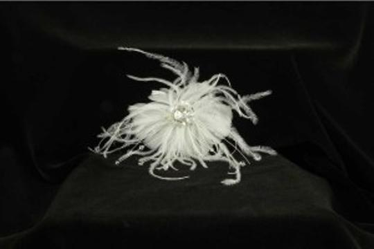 Light Ivory with Crystals and Real Feathers Your Dream Dress Exclusive Sfl819 Comb Hair Accessory