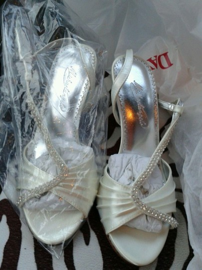 Dyeables Ivory Asymetrical Crystal Sandal Style Lizzy Size US 6.5