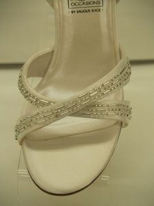 Special Occasions by Saugus Shoe White #4631 New Never Been Used Size US 5