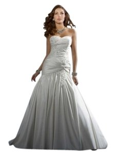 Alfred Angelo Diamond White Style 2169 Wedding Dress Size 4 (S)