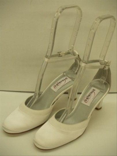 Preload https://img-static.tradesy.com/item/48053/dyeables-white-darling-new-closed-toe-rounded-toe-thick-heel-comfortable-satin-quinceanera-short-hee-0-0-540-540.jpg