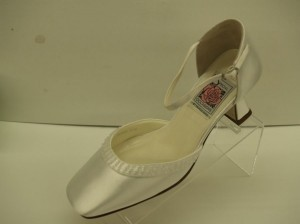 Special Occasions By Saugus Shoe 3830 White Size 5.5w New!!!! Closed Toe Square Toe Chunky Heel Comfortable Quinceanera Wedding Shoes