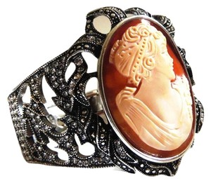 "AMEDEO AMEDEO ""Via Veneto"" 40mm Cameo Crystal Bracelet 7 1/2"