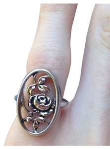 Avon Silver Colored Rose Ring