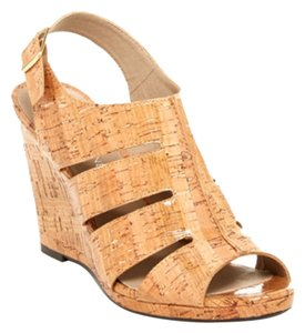 Donald J. Pliner Wedges