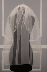 Diamond White Medium Jennifer Leigh 5017 Tulip Waist Length Bridal Veil