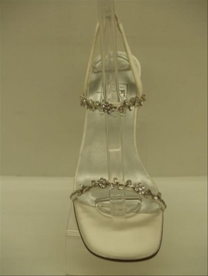 by Sandals Flowers 35030 Thin White Occasions Shoe Crystal Formal Silver Bling Sexy Saugus Special Strappy Yqwn8X51q7